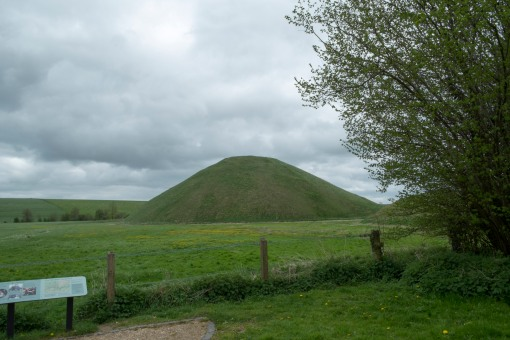 Silbury hill, a neolithic monument