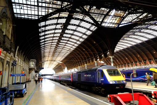 Paddington station, the fast train to the West Country!